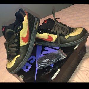 Bundle sneaker deal